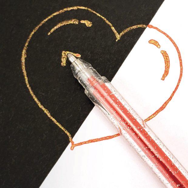 zdjęcie - serce i długopis żelowy